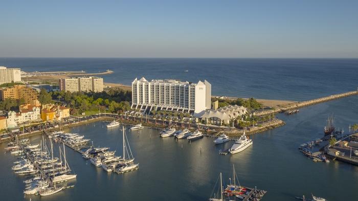 Tivoli Marina Hotel